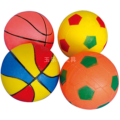 幼儿玩皮球简笔画